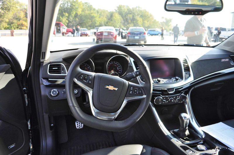 2015 Chevrolet SS Green 60