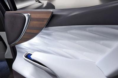 2015 Lexus LF-FC Flagship Concept 32