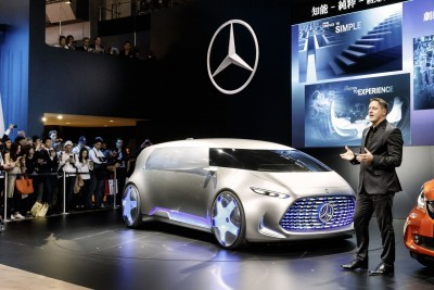 """World premiere for the Mercedes-Benz Vision Tokyo – Japanese premieres for the GLE and smart: Gorden Wagener, Head of Design, Daimler AG, is presenting the Mercedes-Benz Vision Tokyo.The """"urban transformer"""" embodies another trailblazing space concept from Mercedes-Benz which reflects the brand's growing appeal to a younger clientele."""