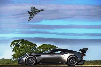 2016 Aston Martin VULCAN meets Avro VULCAN Bomber 10