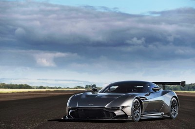 2016 Aston Martin VULCAN meets Avro VULCAN Bomber 12