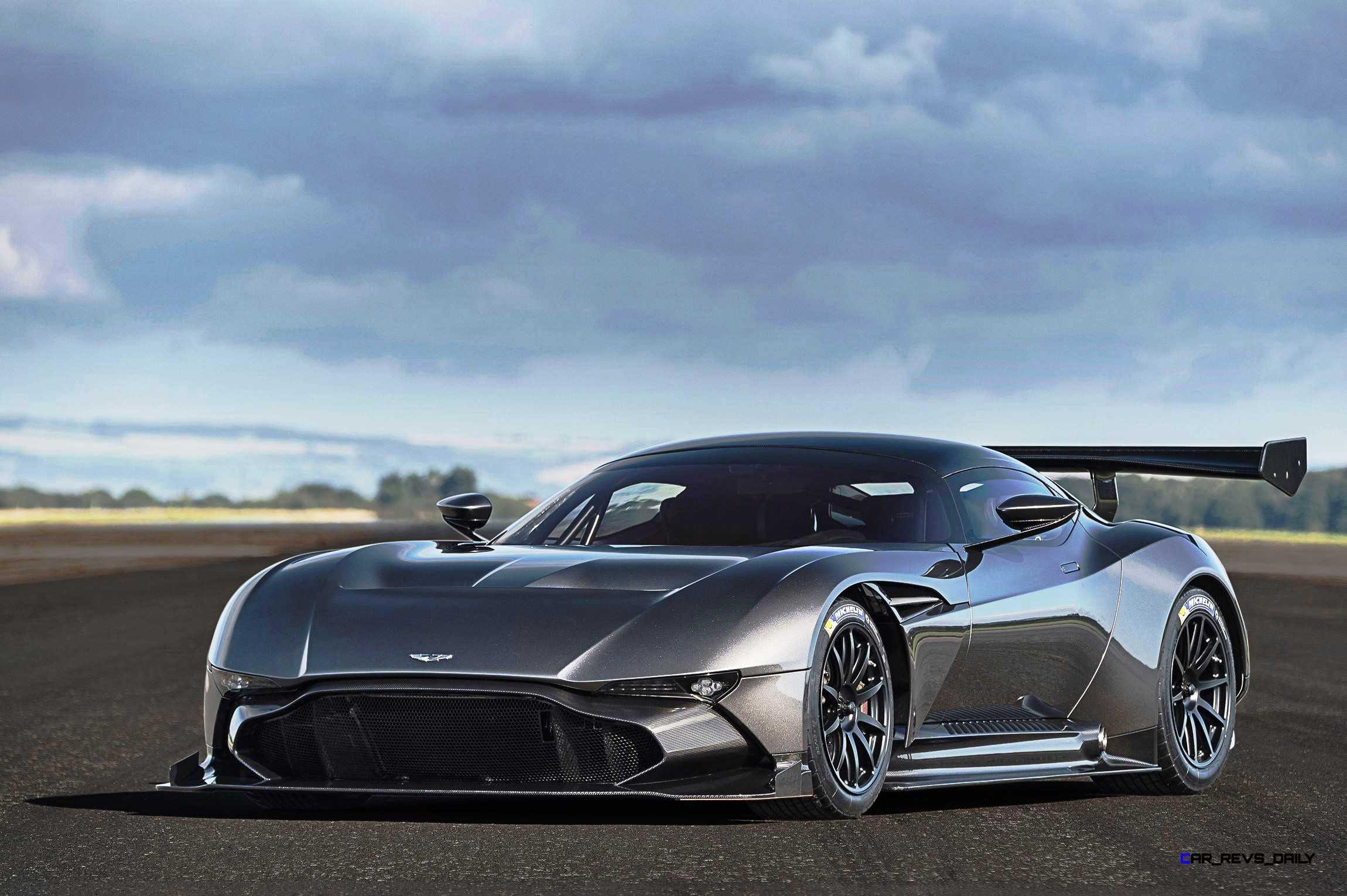 2016 Aston Martin VULCAN Meets Legendary Avro Vulcan Namesake