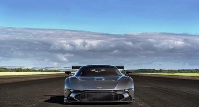 2016 Aston Martin VULCAN meets Avro VULCAN Bomber 17