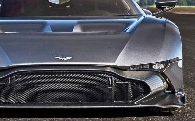 2016 Aston Martin VULCAN meets Avro VULCAN Bomber 19