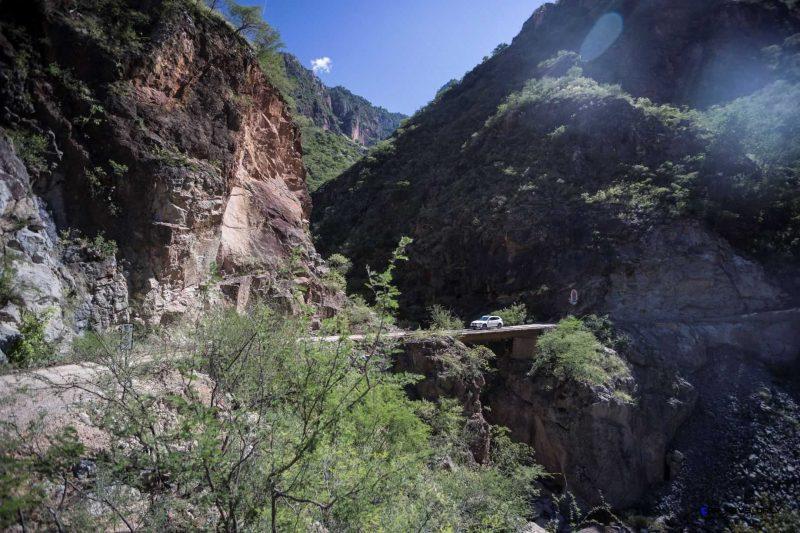 2016 BMW X1 xDrive28i Copper Canyon Mexico 54