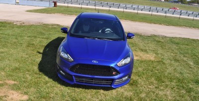 2016 Ford FOCUS ST Kona Blue 101