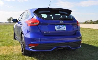 2016 Ford FOCUS ST Kona Blue 102