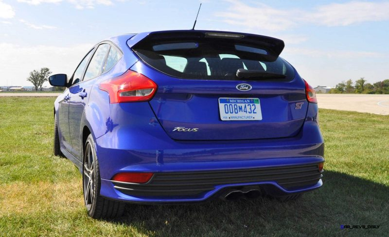 2016 Ford FOCUS ST Kona Blue 102