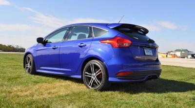 2016 Ford FOCUS ST Kona Blue 104