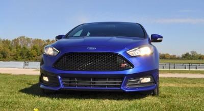 2016 Ford FOCUS ST Kona Blue 109