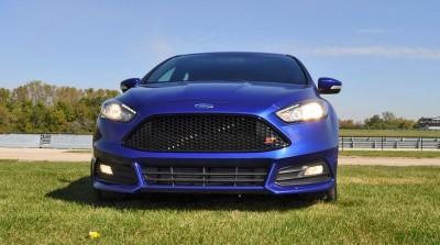 2016 Ford FOCUS ST Kona Blue 110