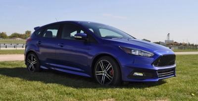 2016 Ford FOCUS ST Kona Blue 17
