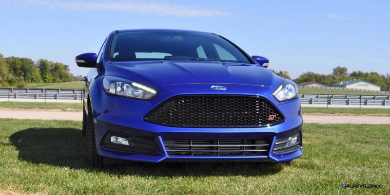 2016 Ford FOCUS ST Kona Blue 19
