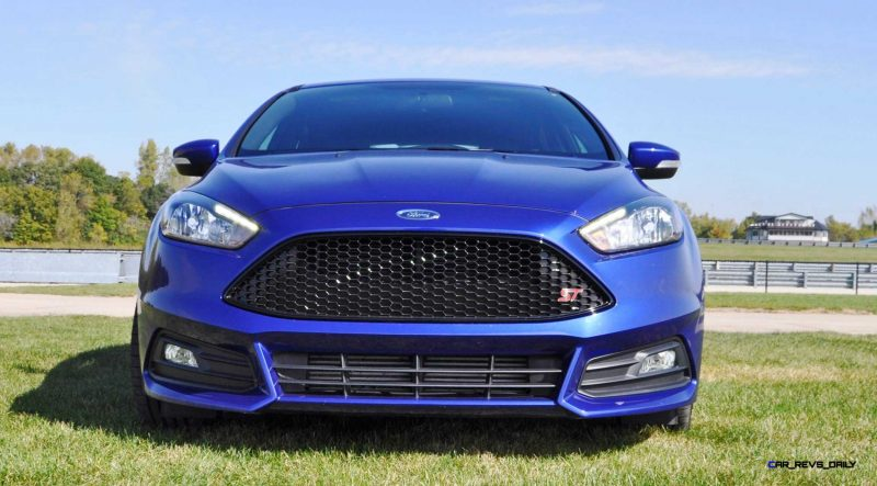 2016 Ford FOCUS ST Kona Blue 21