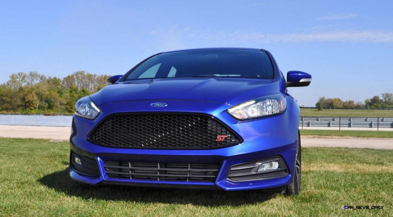 2016 Ford FOCUS ST Kona Blue 23