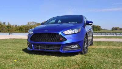2016 Ford FOCUS ST Kona Blue 25