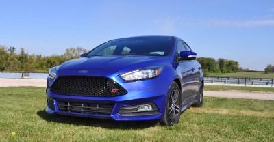 2016 Ford FOCUS ST Kona Blue 26