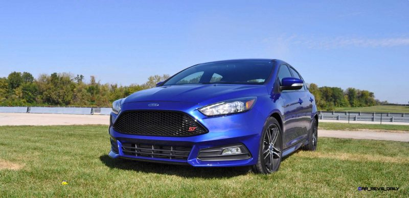 2016 Ford FOCUS ST Kona Blue 27