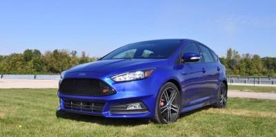 2016 Ford FOCUS ST Kona Blue 29