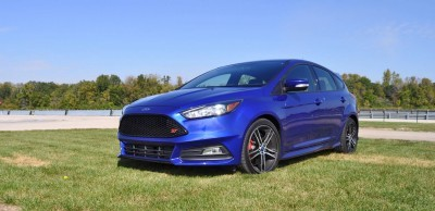 2016 Ford FOCUS ST Kona Blue 30