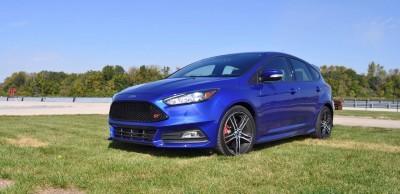 2016 Ford FOCUS ST Kona Blue 31