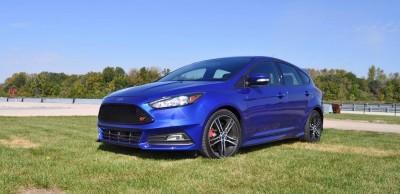 2016 Ford FOCUS ST Kona Blue 32