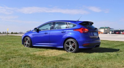 2016 Ford FOCUS ST Kona Blue 56
