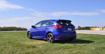 2016 Ford FOCUS ST Kona Blue 59