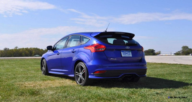 2016 Ford FOCUS ST Kona Blue 61