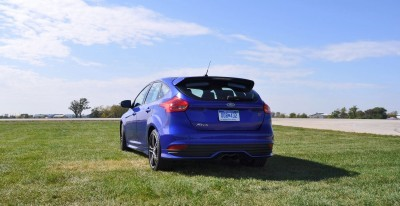 2016 Ford FOCUS ST Kona Blue 64
