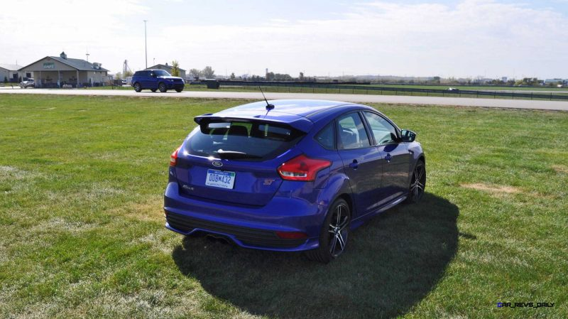 2016 Ford FOCUS ST Kona Blue 73