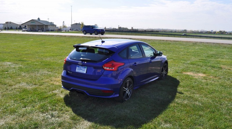 2016 Ford FOCUS ST Kona Blue 74