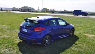 2016 Ford FOCUS ST Kona Blue 76