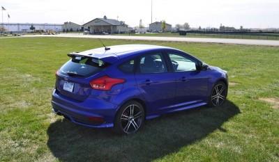 2016 Ford FOCUS ST Kona Blue 77