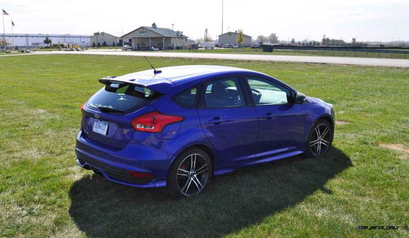 2016 Ford FOCUS ST Kona Blue 77