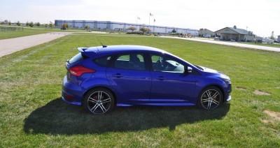 2016 Ford FOCUS ST Kona Blue 81