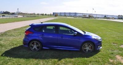 2016 Ford FOCUS ST Kona Blue 85