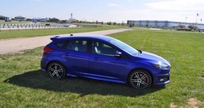 2016 Ford FOCUS ST Kona Blue 87