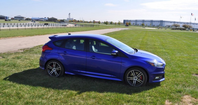 2016 Ford FOCUS ST Kona Blue 87
