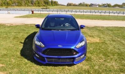 2016 Ford FOCUS ST Kona Blue 9