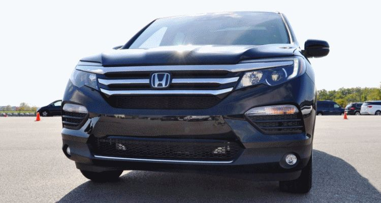 2016 Honda Pilot Elite AWD - Photo Flyaround Shows Classy LEDs, All-New Look