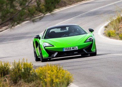 5855McLaren-570S-Coupe---Mantis-Green-006