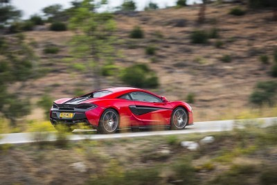 5926McLaren-570S-Coupe---Vermillion-Red-007