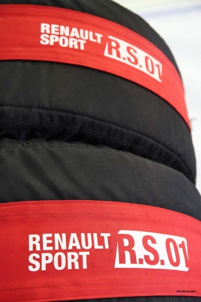 Renaultsport RS01 11