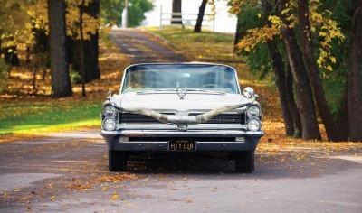1963 Pontiac Bonneville 'Roy Rogers' Nudie Mobile 10