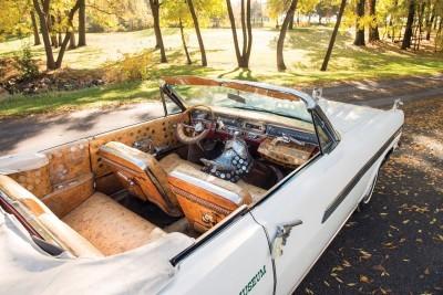 1963 Pontiac Bonneville 'Roy Rogers' Nudie Mobile 23
