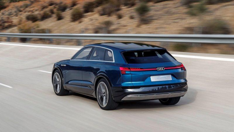 2015 Audi e-tron quattro concept 4