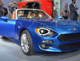 2017 FIAT 124 Spider – Gorgeous Miata Makeover Is Biggest LA Debut Yet