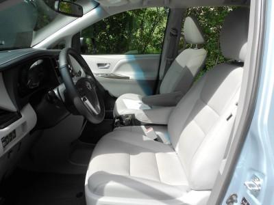 2015 Toyota Sienna XLE Premium AWD Review 11
