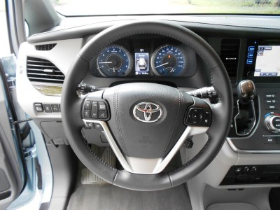 2015 Toyota Sienna XLE Premium AWD Review 8